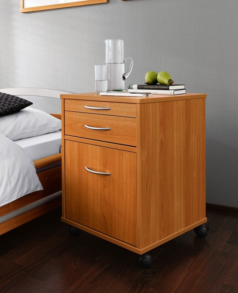 Funktionaler fahrbarer Nachttisch aus Holz mit Schubladen