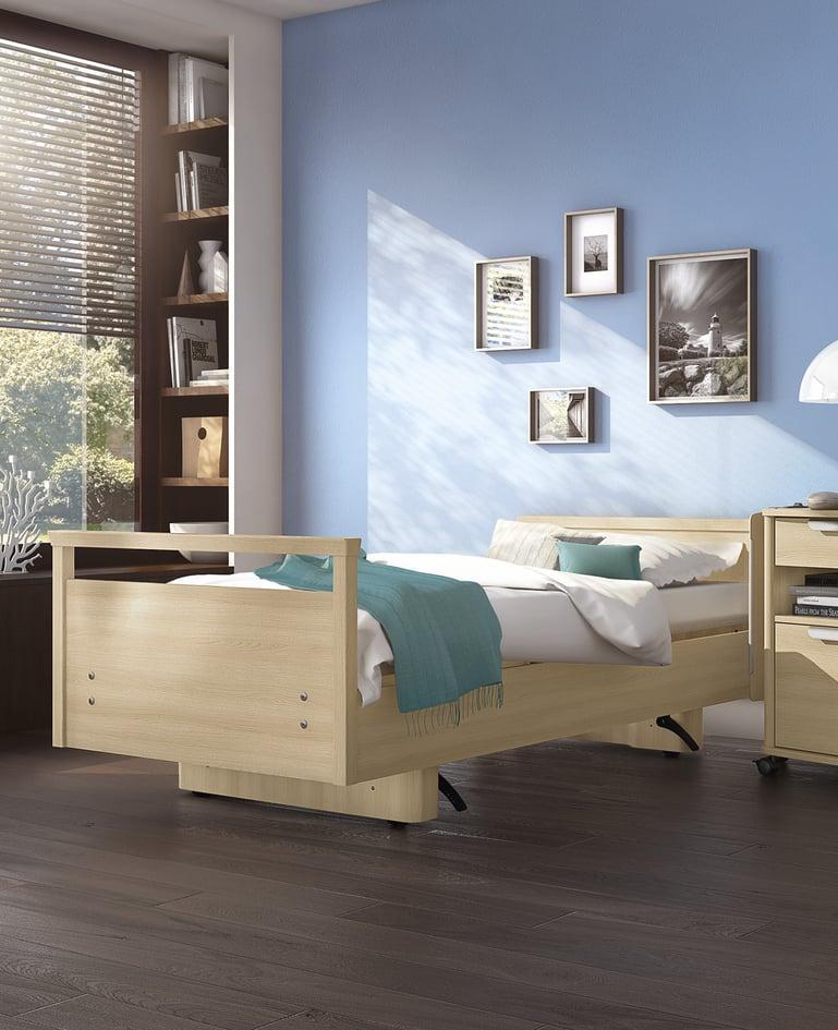 Pflegebett movita casa in wohnlicher Atmosphäre